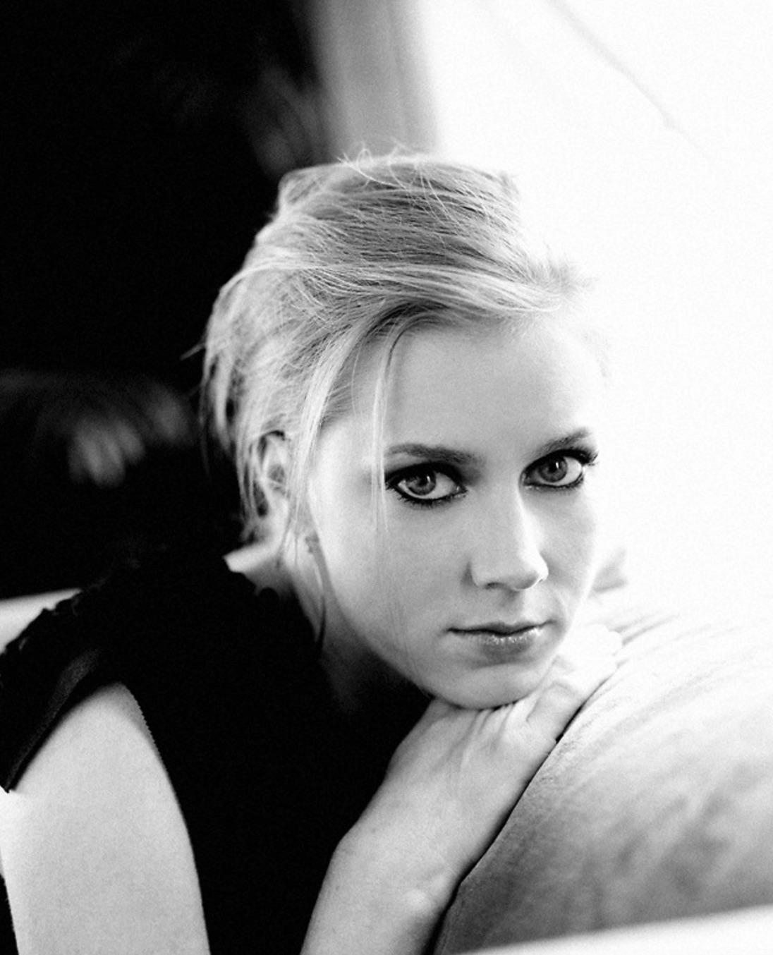 Amy-Adams-by-Patricia-De-La-Rosa